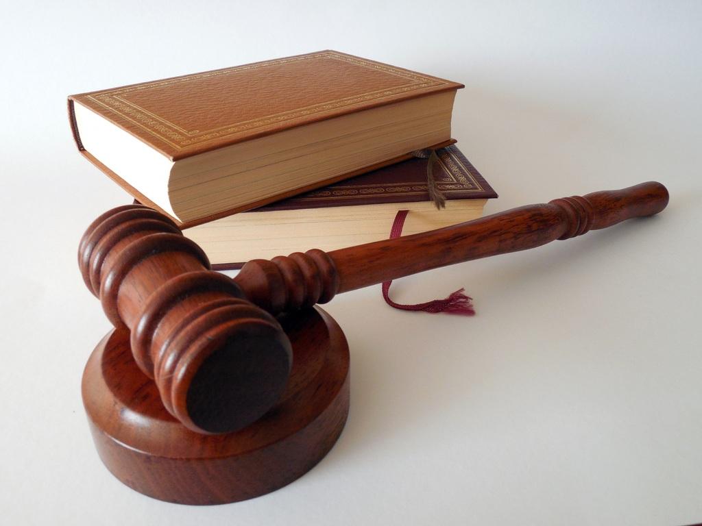 sistem hukum dan peradilan internasional
